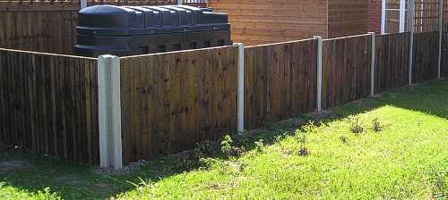 Closeboard panels 900mm high on concrete posts
