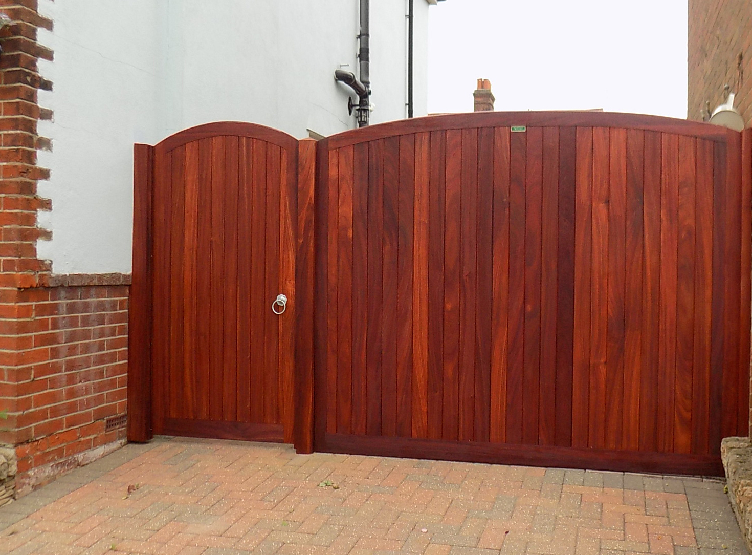 Neddham gate with matching side panel in Padauk.